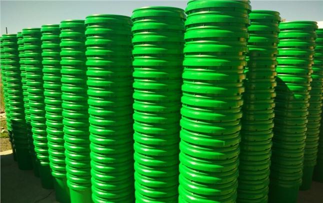 维族客户又一次订购6000只塑料桶