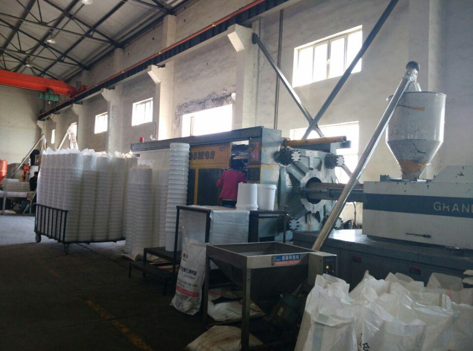 传统企业如何适应DT时代丨劲强塑料模具厂